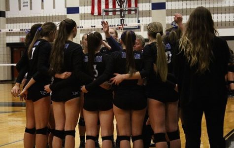 Photo Gallery: Volleyball 10/4