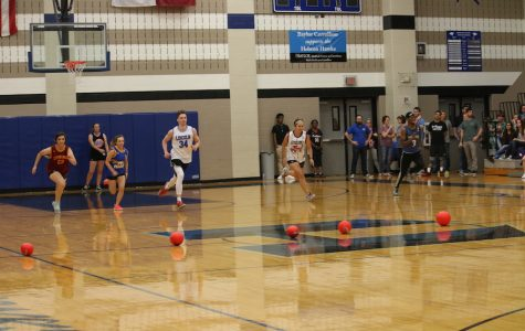 Photo Gallery: Seniors vs. Faculty Dodgeball