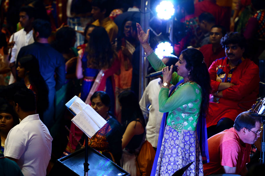 A live performer stays strong as the night winds down. Garba/Dandiya Raas typically starts around 9 p.m. and ends at midnight.