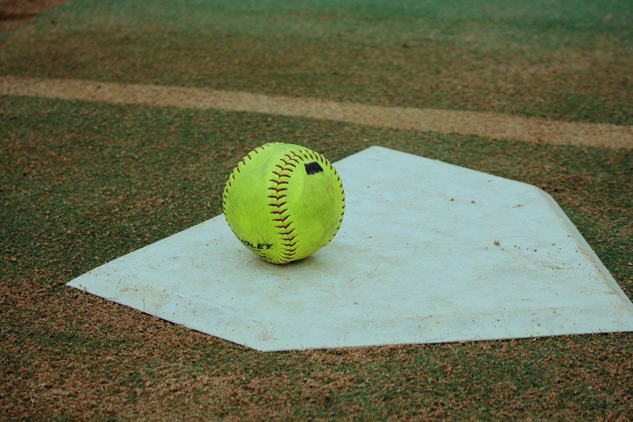 Softball+to+play+Carroll+Monday