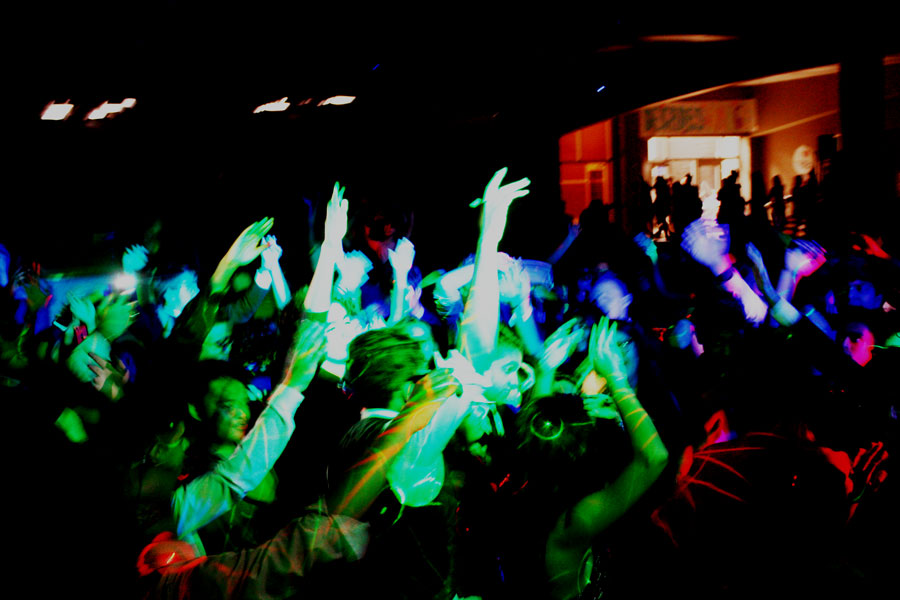 Students+dance+to+the+last+song+of+the+night%2C+before+the+dance+ended+at+11+p.m.