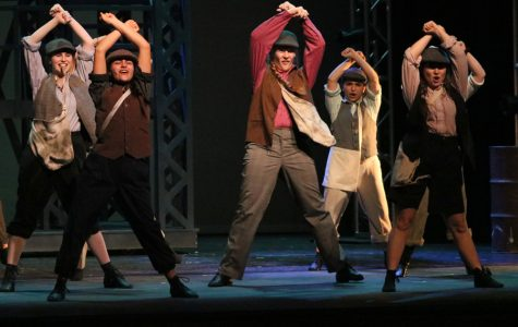 "Theater to perform ""Newsies"" this weekend"
