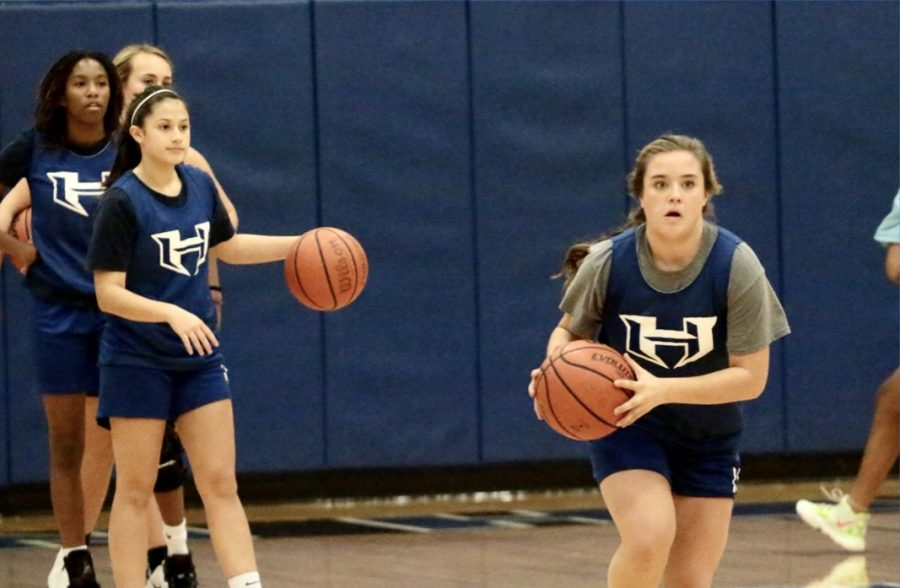 Sophomore+Emily+Batchelor+runs+toward+the+basket+during+practice.+The+Allen+tournament+is+the+second+tournament+the+girls+will+play+in+this+year%E2%80%99s+season.%0A