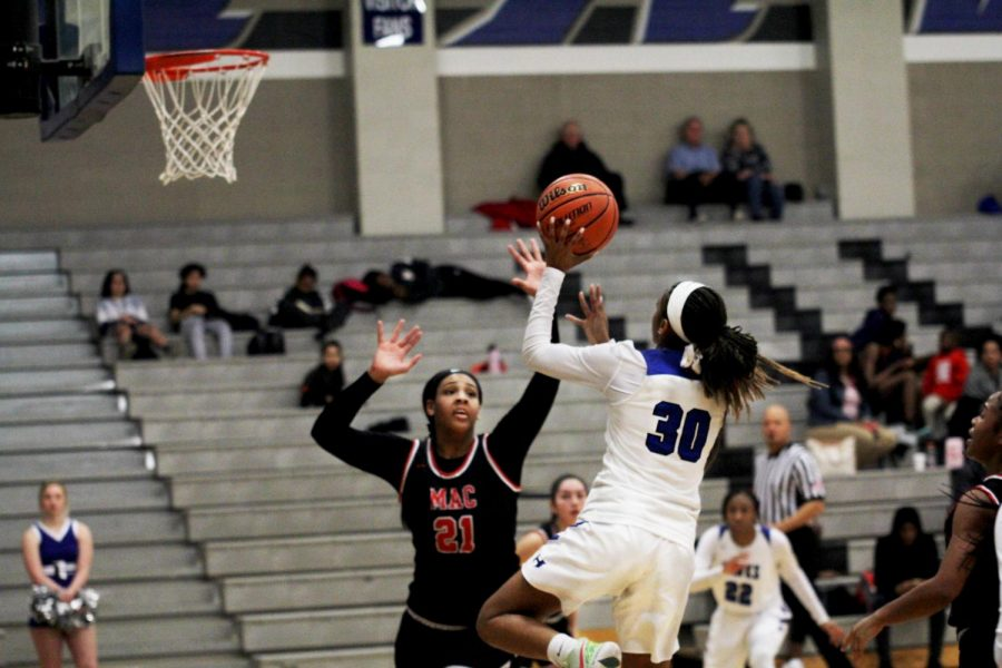 Photo gallery: Girls basketball vs. Irving MacArthur