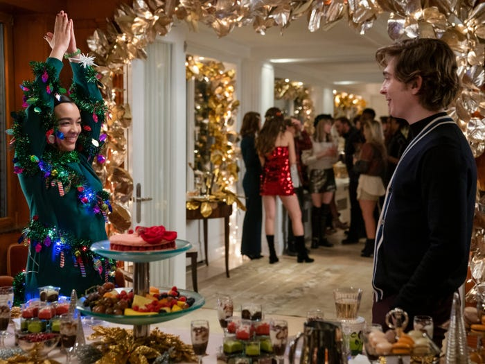 "Netflix's newest rom-com ""Dash & Lily"" is a perfect holiday binge"