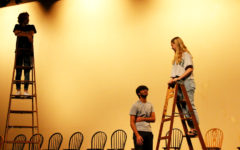 Navigation to Story: Friendship backstage, matrimony in the spotlight